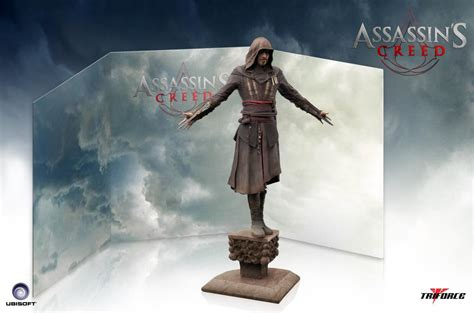 F E N D I Fancie Series 8021 assassin s creed 1 5 scale aguilar statue