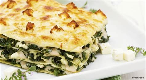 vegetarian recipes with feta cheese spinace lasagna with white sauce and feta cheese