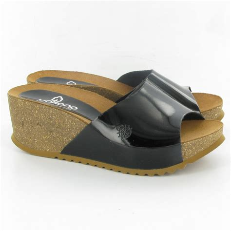 yokono niza wedge mules in black patent