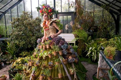 self sustaining garden the mobile garden dress a self sustaining garden