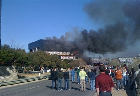 Irs Office Tx by Pilot Crashes Airplane In Building In Anti Irs
