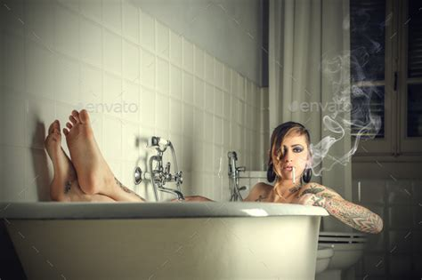 how to smoke in bathroom without smell how to smoke in your bathroom without it smelling how to