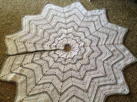 christmas ripples tree skirt pattern 323 best images about crochet on pinterest chevron