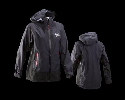 best mtb winter jacket review race chute jacket mountain bike for