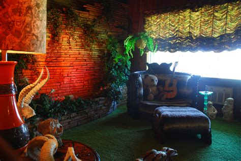the jungle room the gallery for gt elvis graceland jungle room