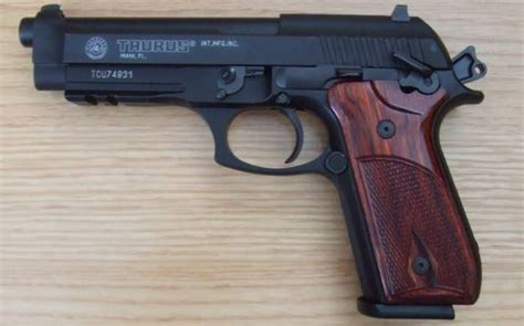 pt92a top 10 best 9mm pistols in the world 2015