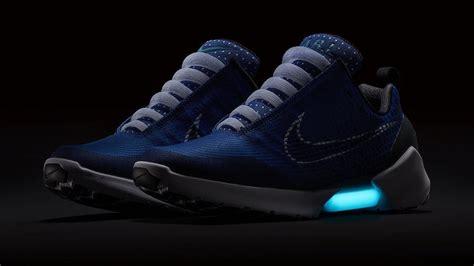 Nike Hyperadapt 10 Black White Blue Lagoon nike hyperadapt 1 0 tinker blue 843871 400 sneakerfiles
