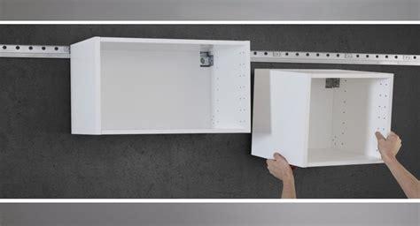Fixer Une Armoire Au Mur Sans Percer by 9 основных особенностей кухонных систем метод частичка