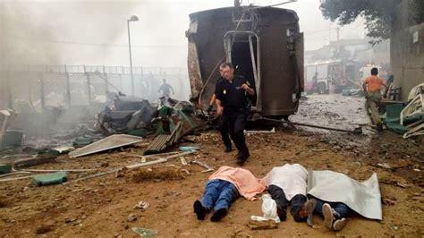 cerca da iban una decena de muertos al descarrilar un tren cerca de santiago