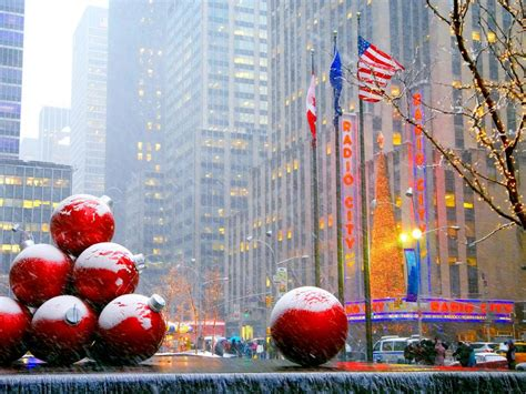 world best christmas city in nyc what to do during the holidays in nyc travel channel travel channel