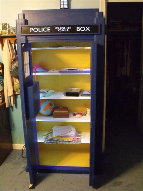 25 best ideas about tardis bookshelf on