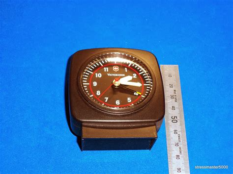 i sak s victorinox travel alarm clock model 35730