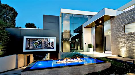 finest luxury residential real estate in los angeles