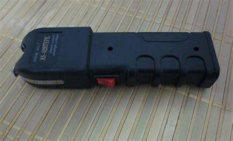 Stun Gun Ws 928 sell 928 stun gun self defense electric shock device with flash