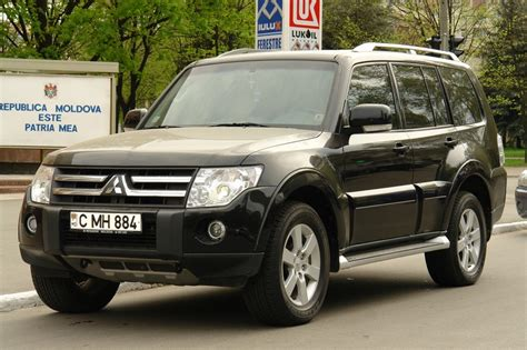 mitsubishi pajero 3 8 v6 photos and comments www