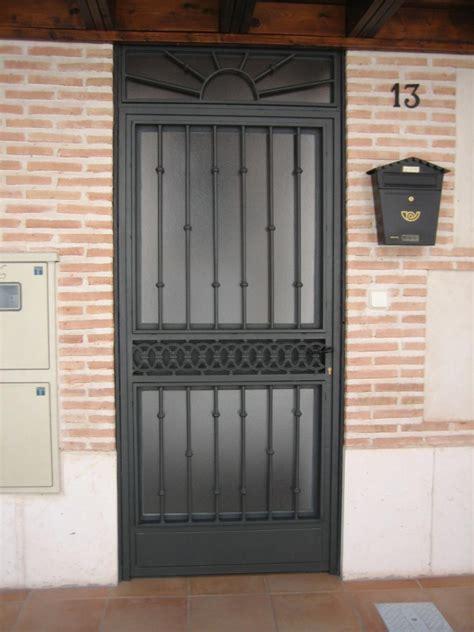 portoni d ingresso in ferro portoncini condominiali roma portoncini in ferro roma