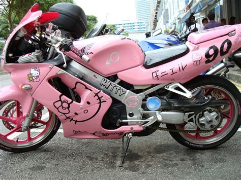 green painted crotch rocket flickr photo sharing hello kitty motorcycle singapore tan quee lan street