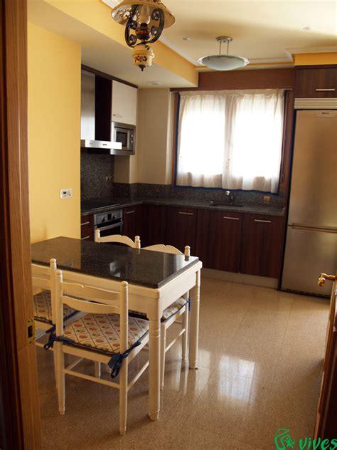 foto cocina comedor diafana del piso disenado
