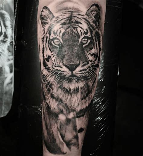 tatouage tigre pour rugir de plaisir tattoome le