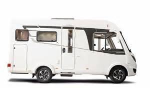 Double Car Garage Hymer B 444 Dynamic Line Le Nouveau Compact Camping Car