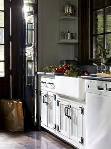 White Beadboard Kitchen Cabinets by White Beadboard Kitchen Cabinets Country Kitchen