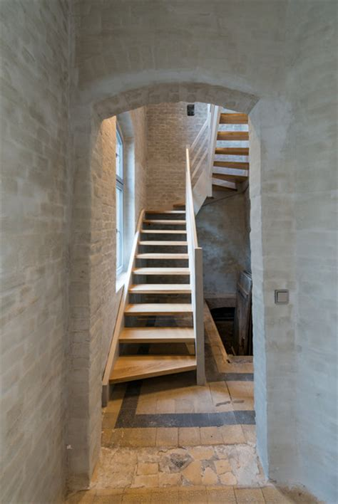 Regal Unter Treppe 174 by Neuruppin Station Conversion