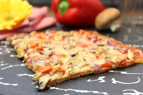 happy carb pizza mit mozzarella teig happy carb rezepte