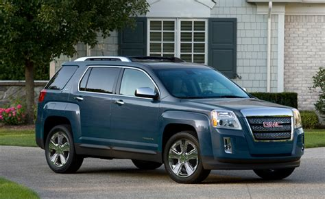 Safe Small Suvs by Top 10 Safest Crossovers And Suvs Of 2014 187 Autoguide News