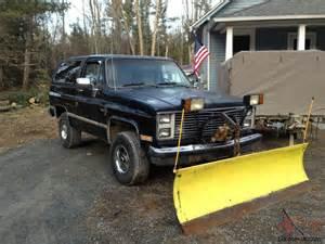 85 chevy blazer k5 plow truck with 84 gmc parts truck