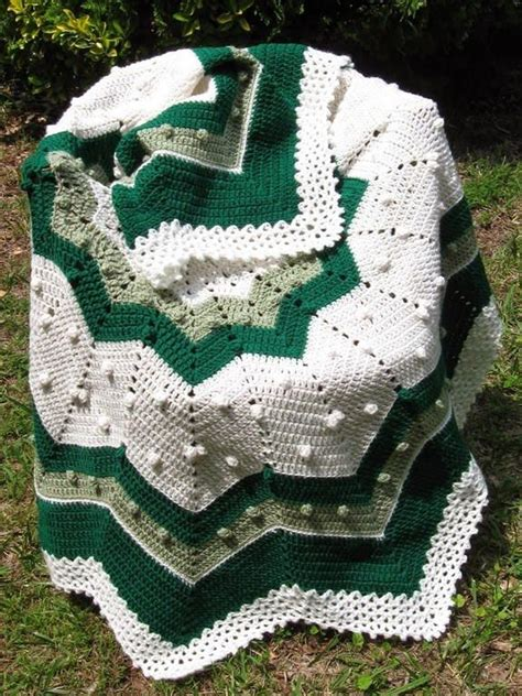 crochet pattern x s and o s 17 best images about crochet round afghans on pinterest