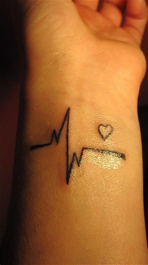 getting tattoo on wrist cute tattoo heart wrist tattoo design girls www