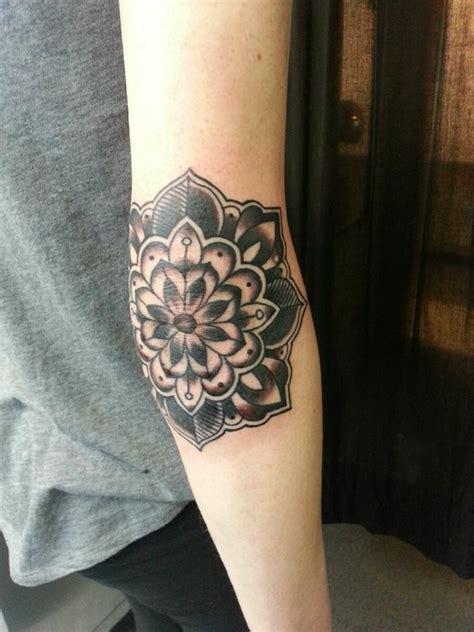 tattoo mandala codo 80 nouveaux tatouages sur le coude