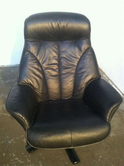 hjellegjerde recliner black leather recliner and ottoman by hjellegjerde mobler