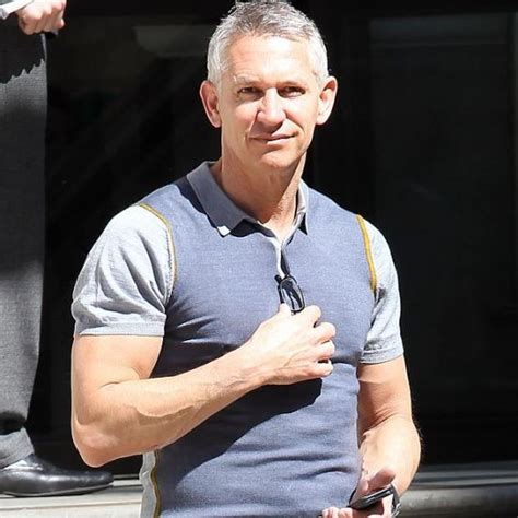 gary lineker gary lineker net worth how rich is gary lineker