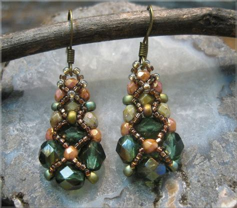 sparkling netted crystal earrings bead weaving pattern and
