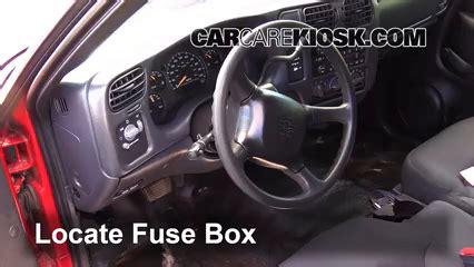 Interior Fuse Box Location 1994 2004 Chevrolet S10 1999