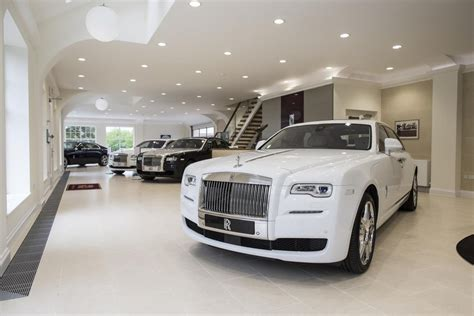 pa wood open  rolls royce car showroom car dealer news