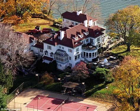 kathie lee gifford house nfl legend frank gifford leaves most of his estate to