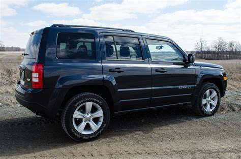 jeep patriot 2014 jeep patriot review is america s cheapest suv a