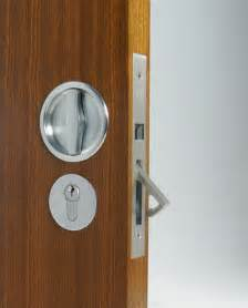 Locking Closet Doors by Lock Out Locksmith Leicester 0116 3260979 Locks Fr 163 16
