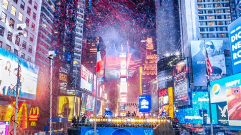 are there bathrooms in times square on nye new year s eve 2015 how the times square tradition began
