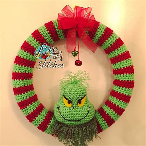 crochet christmas crafts best 25 crochet wreath ideas on crochet wreath crochet patterns