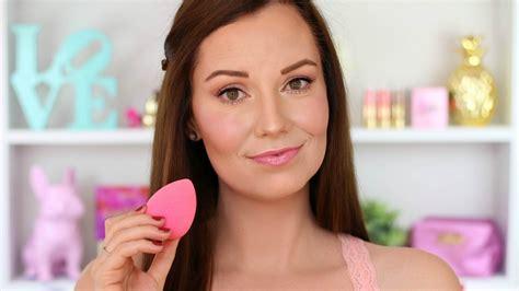 Bedak Make Untuk Kulit Berminyak 5 tips foundation untuk kulit berminyak agar tahan terus