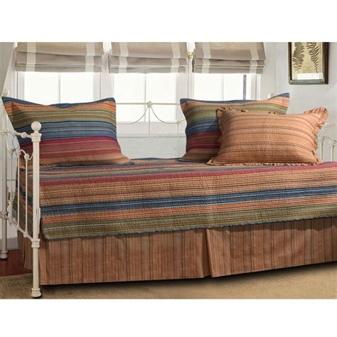 Futon Mattress Bed Bath And Beyond by Fresh Finest Difference Between Daybed Comforter And 26131