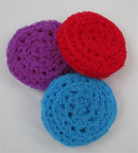 pattern for net scrubbies nylon crocheted scrubbies to clean your pots and pans 3