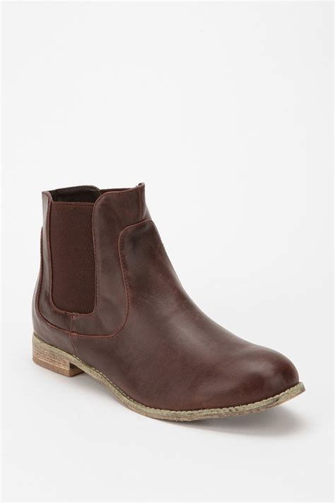 ecote flat chelsea boot outfitters