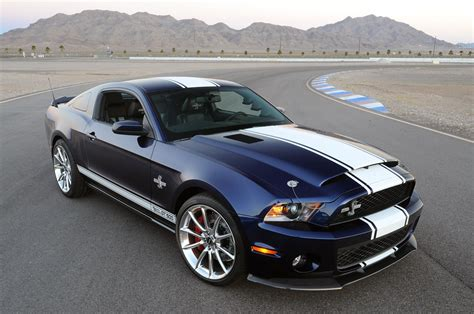 2017 ford mustang shelby gt500 black color design front