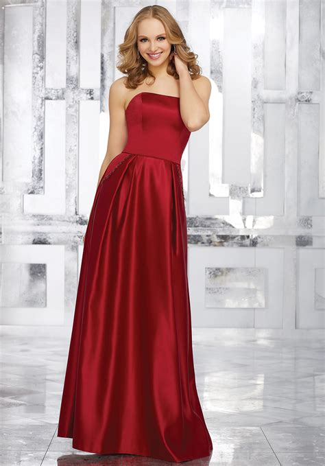 Bridesmaid Dresses With Pockets Uk - strapless satin bridesmaids dress with beaded pocket