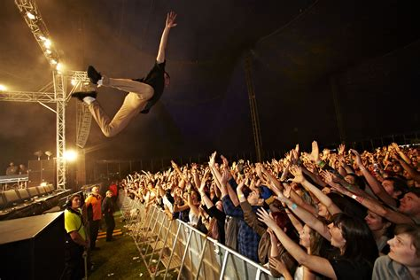 stage dive image gallery stagedive
