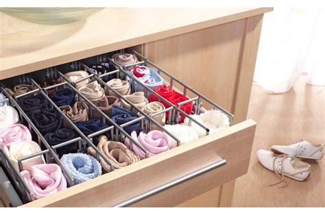 armadio in ordine cambio armadi come tenere in ordine i cassetti casafacile